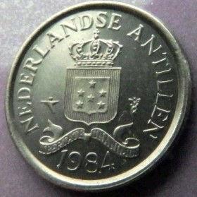 10 Центов, 1984 года, Нидерландские Антильские острова, Монета, Монеты, 10 Сents 1984, Nederlandse Antillen,Зірки, Stars,Звездына монете,Корона, Crown, Coat of arms of the Netherlands Antilles,Герб Нидерландских Антильских острововна монете.