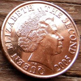 2 Пенса, 2005 года, Джерси, Монета, Монеты, 2 Two Pence 2005, Jersey,Будинок на скелі,House on the rock,Дом на скале намонете,Королева Elizabeth II, Елизавета IIна монете, Четвертый портрет королевы.