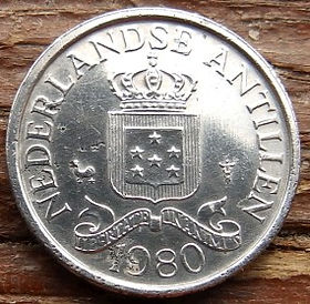 1Цент, 1980 года, Нидерландские Антильские острова, Монета, Монеты, 1Сent1980, Nederlandse Antillen,Зірки, Stars,Звездына монете,Корона, Crown, Coat of arms of the Netherlands Antilles,Герб Нидерландских Антильских острововна монете.