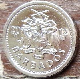 10 Центов, 2012 года, Барбадос, Монета, Монеты, 10 Ten Cents 2012, Barbados,Птах, Bird, Птица на монете, Coat of arms ofBarbados, Герб Барбадосуна монете.