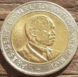 5 Шиллингов 1997 года, Кения,Монета, Монеты, 5 Five Shillings 1997, Republic of Kenya,Coat of arms of Kenya,Герб Кении на монете, President of Kenya Daniel Toroitich Arap Moi,Президент Кении ДаниэльАрап Мои на монете.