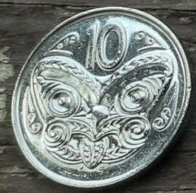 10 Центов1988 года,Новая Зеландия, Монета, Монеты, 10 Cents 1988, New Zealand,Maori mask,Маска Маори на монете, Королева Elizabeth II, Елизавета IIна монете, Третий портрет королевы.