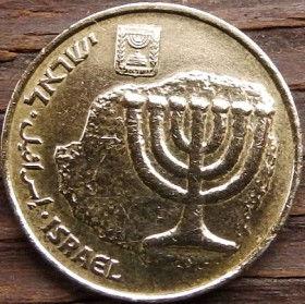 10 Агорот, 2000 года, Израиль, Монета, Монеты, 10 Agorot 2000, Israel, Menorah, Emblem of Israel, Менора, Герб Израиля на монете.