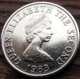 5 Пенсов, 1983 года, Джерси, Монета, Монеты, 5 FivePence 1983, Jersey,Вежа,Tower,Башня на монете,Королева Elizabeth II, Елизавета IIна монете, Второй портрет королевы.