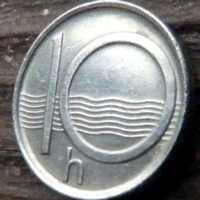 10 Геллеров, 1995 года,Чехия,Монета, Монеты,10 Hellers1995, Ceska Republika, Хвилі,Waves,Волны на монете, Coat of Arms, Герб,Fauna, Фауна,Lion, Левна монете.