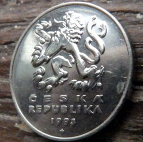 5 Крон, 1993 года,Чехия,Монета, Монеты,5 Koruna1993,Ceska Republika, Міст через річку,Bridge over the river,Мост через реку на монете,Coat of Arms, Герб,Fauna, Фауна,Lion, Левна монете.