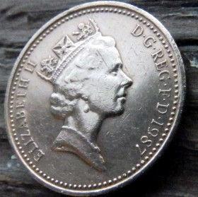 1 Пенни, 1987 года,Великобритания, Монета, Монеты, 1 One Penny 1987, Корона, Crown,Подъемные ворота, Lifting gates, Ланцюги, Chains,Цепина монете, Королева Elizabeth II, Елизавета IIна монете, Третийпортрет королевы.