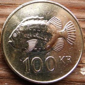 100 Крон, 2006 года, Исландия, Монета, Монеты, 100 Eitt HundradKronur 2006, Island,Iceland, Fauna,Фауна,Риба, Fish, Рыбана монете,Bull, Бык,Vulture,Гриф,Dragon, Дракон,Giant, Великан на монете.