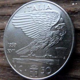 50 Чентезимо, 1939 года, Италия, Монета, Монеты, 50 Centesimi 1939, Italia,Italy,Coat of arms,Герб,Корона, Crown, Сокира,Ax,Топорна монете, Fauna, Фауна, Пташка, Bird,Птица, Eagle, Орелна монете,Король Виктор Еммануил III на монете.