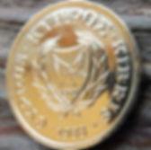 2 Цента, 1988 года, Кипр, Монета, Монеты,2 Cents 1988,Cyprus,Тварини, Animals,Животныена монете,Рослинний орнамент,растительный орнамент,floral ornament,Пташка, Bird,Птица,Голуб з оливковою гілкою, Pigeon with olive branch,Голубь с оливковой ветвью на монете.