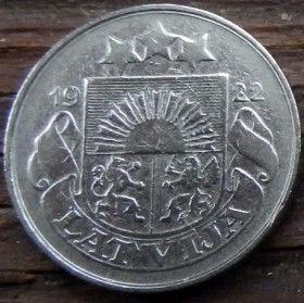 20 Сантимов, 1922 года, Латвия, Монета, Монеты, 20 Santimu 1922, Latvija,Spikelet, Колосокна монете,Coat of Arms,Герб,Fauna, Фауна,Lions, Львы, Sun,Cолнце, Stars,Звездына монете.