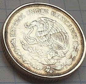 100 Песо, 1988 года,Мексика, Монета, Монеты, 100Pesos 1988,Estados Unidos Mexicanos,Venustiano Carranza,Венустиано Карранса на монете,Coat of arms of Mexico, Герб Мексикина монете.
