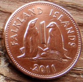 1 Пенни, 2011года, Фолклендские Острова, Монета, Монеты, 1 Penny 2011, Falkland Islands,Фауна, Птах,Пінгвін, Fauna, Bird,Penguin, Фауна,Птица,Пингвин на монете,Королева Elizabeth II, Елизавета IIна монете, Четвертый портрет королевы.