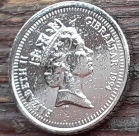 5 Пенсов, 1994 года, Гибралтар, Монета, Монеты, 5 Five Pence 1994, Gibraltar,Fauna, Фауна,Мавпа, Monkey,Обезьянана монете,Королева Elizabeth II, Елизавета IIна монете, Третийпортрет королевы.