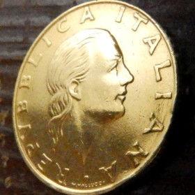 200 Лир, 1994 года, Италия, Монета, Монеты, 200 Lire1994, Italiana, Italy, Карабінер,Carabineer,Карабинер,Стрічка, Ribbon, Лента на монете,Жінка, Woman, Женщинана монете.