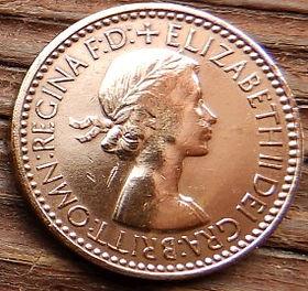 Фартинг, 1953 года,Великобритания, Монета, Монеты, Farthing 1953, Фауна, Fauna, Птица, Bird,Птах,Горобець,Sparrow,Воробейна монете, Королева Elizabeth II, Елизавета IIна монете, Первый портрет королевы.