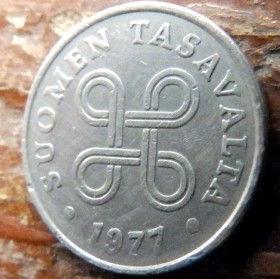 1 Пенни, 1977 года, Финляндия, Монета, Монеты, 1 Penni1977, Suomen Tasavalta,Suomi, Finland,Об'єднані чотири петлі,Объединены четыре петли на монете.