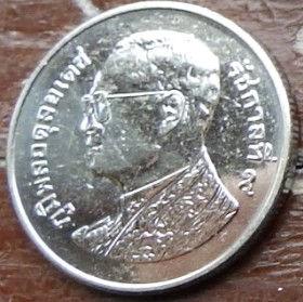 1 Бат, 2011 года, Королевство Таиланд, Монета, Монеты, 1 Bat 2011, Kingdom of Thailand, Wat Phra Kaew, Ват Пхра Кео (Храм Изумрудного Будды) на монете, King Rama IX, Король Рама IX на монете.