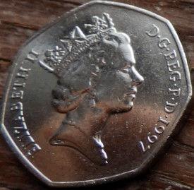 50 Пенсов, 1997 года,Великобритания, Монета, Монеты, 50 Fifty Pence 1997,Жінка воїн,Woman warrior, Женщина воин на монете, Fauna,Фауна, Lion, Лев на монете, Королева Elizabeth II, Елизавета IIна монете, Третийпортрет королевы, Семиугольная монета.