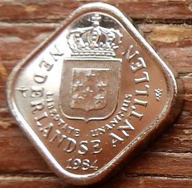 5Центов, 1984 года, Нидерландские Антильские острова, Монета, Монеты, 5Сents 1984, Nederlandse Antillen,Зірки, Stars,Звездына монете,Корона, Crown, Coat of arms of the Netherlands Antilles,Герб Нидерландских Антильских острововна монете.