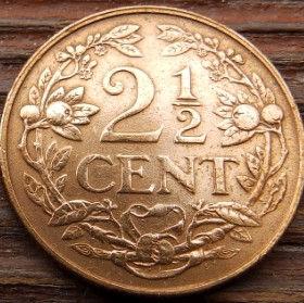 2½Цента, 1959 года, Нидерландские Антильские острова, Монета, Монеты, 2½Сents 1959, Nederlandse Antillen,Рослинний орнамент, Растительный орнамент,Floral ornamentна монете,Корона, Crown, Sword,Меч,Фауна, Лев, Lionна монете.