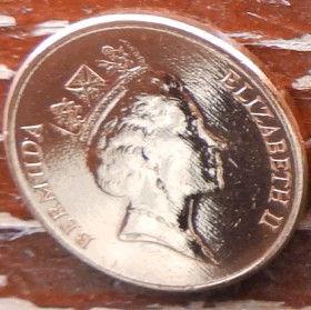 1 Цент, 1997 года, Бермудские Острова, Монета, Монеты, 1 One Cent1997, Bermuda,Fauna,Boar, Фауна,Дикий кабан на монете,Королева Elizabeth II, Елизавета IIна монете, Третий портрет королевы.