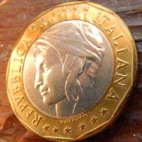 1000 Лир, 1997 года, Италия, Монета, Монеты, 1000 Lire1997, Italiana, Italy,Карта частини Європи,Map of part of Europe,Карта части Европы на монете,Жінка з короною, Woman with a crown, Женщина с коронойна монете.