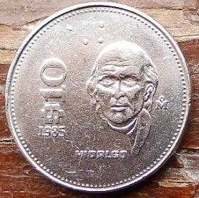 10 Песо, 1985 года,Мексика, Монета, Монеты, 10Pesos 1985,Estados Unidos Mexicanos,MiguelIgnacio Hidalgo,Мигель Идальго на монете,Coat of arms of Mexico, Герб Мексикина монете.