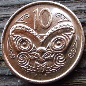 10 Центов2009 года,Новая Зеландия, Монета, Монеты, 10 Cents 2009, New Zealand,Maori mask,Маска Маори на монете, Королева Elizabeth II, Елизавета IIна монете, Четвертый портрет королевы.