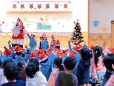 サンタさんからの質問に子どもたちは「はーい!」と元気良く手を挙げてくれました!