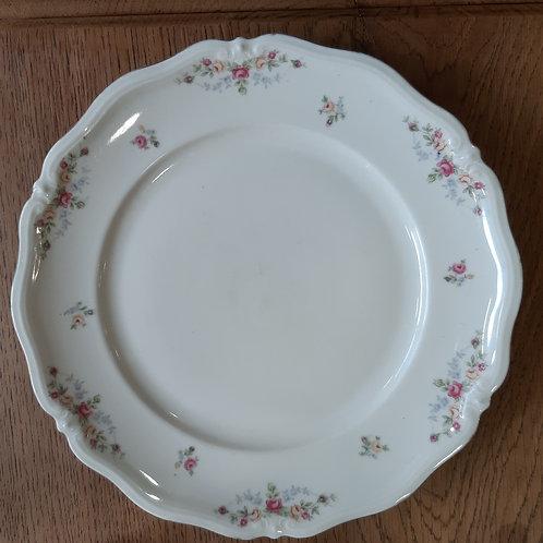 Assiette plate motif petites fleurs et liseré doré
