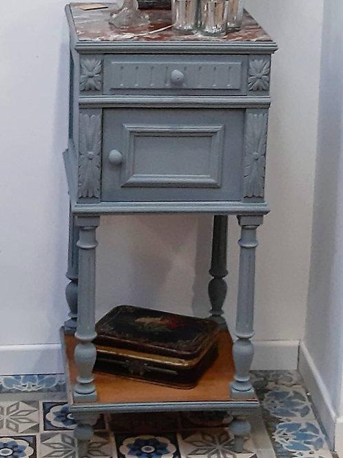 Petit meuble gris