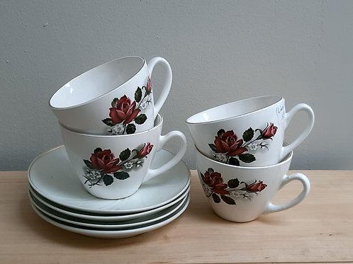 4 tasses à thé