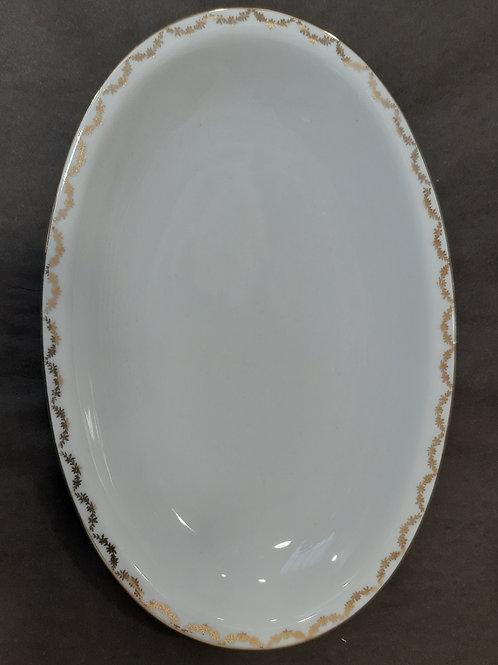 Petit plat en porcelaine