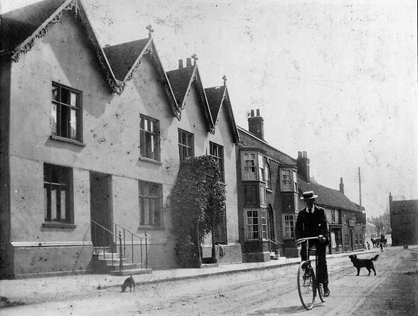 The Gables, Newland St, Witham Essex. Now part of Fern House surgery. Circa 1920.