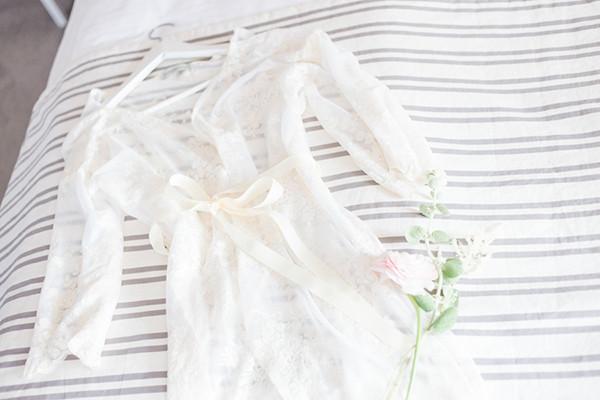 Brautmorgenmantel aus Spitze