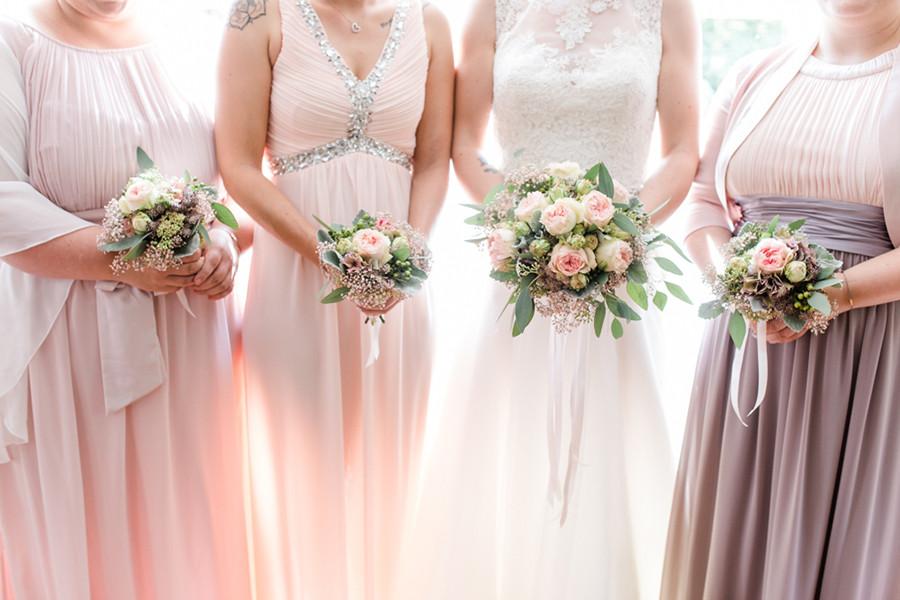 Brautjungfern in Rosa