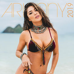 arianny-calendar-2019-cover-front_e81983