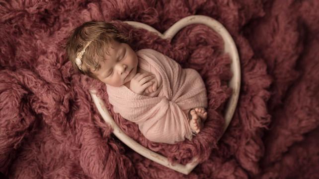 familienfotograf, Fotograf Koblenz, baby fotoshooting mädchen, fotograf koblnez, neugeborenen fotos