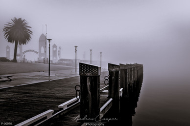 P00100 - Foggy Pier