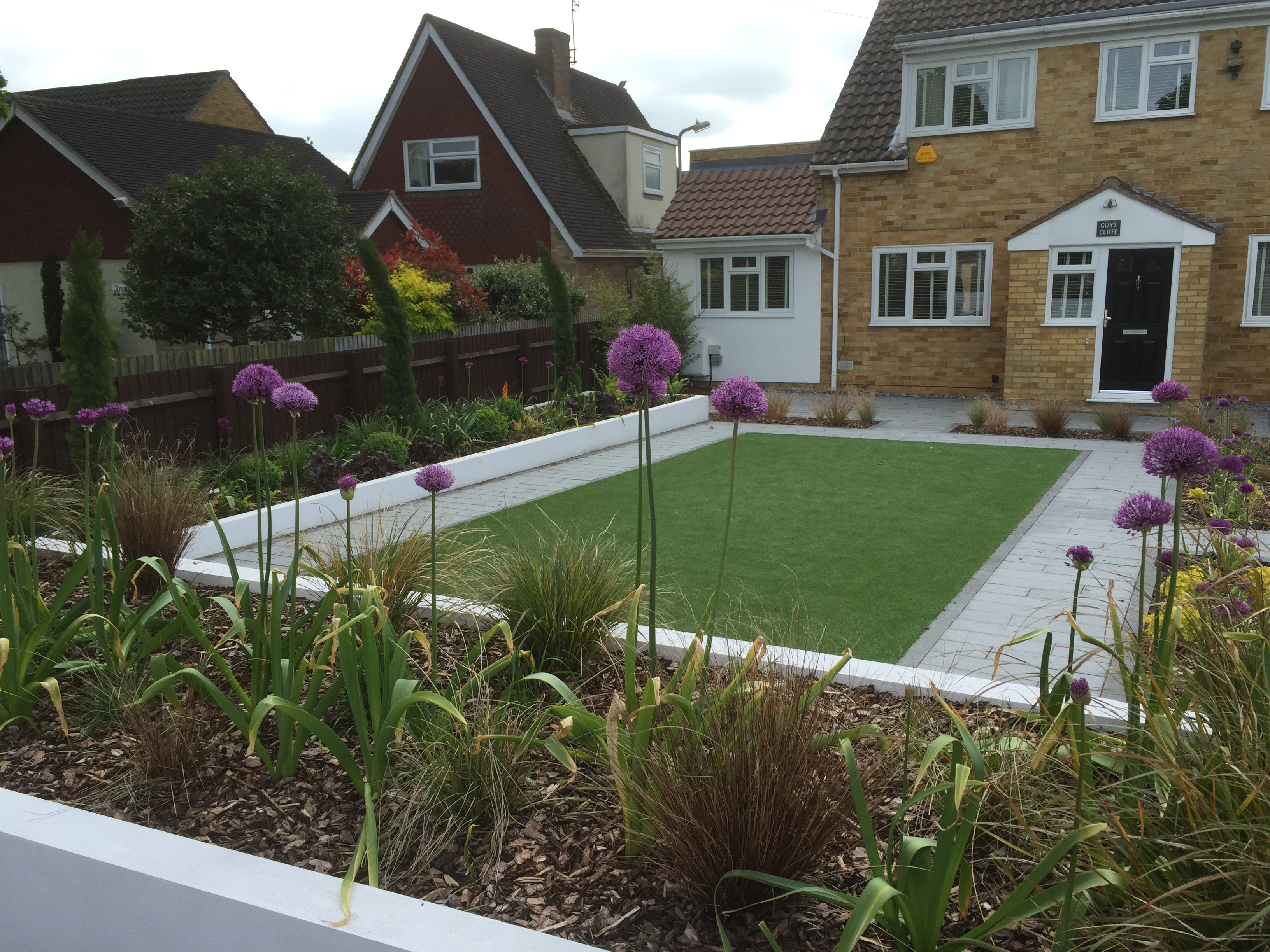 Artificial turf, easy maintenance