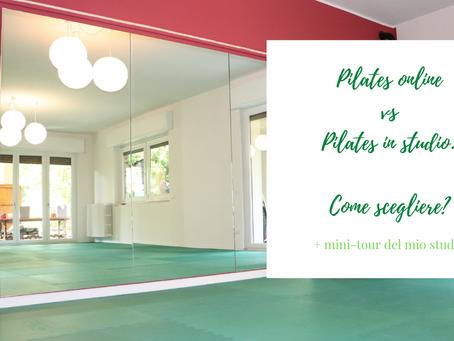 Corso di Pilates online vs. Pilates dal vivo.
