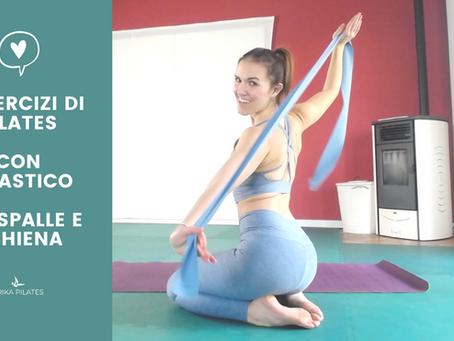 6 esercizi di Pilates con l'elastico per spalle e schiena.