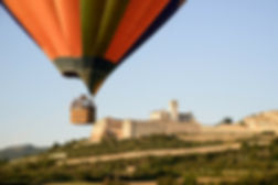 hot air balloon flight italy umbria
