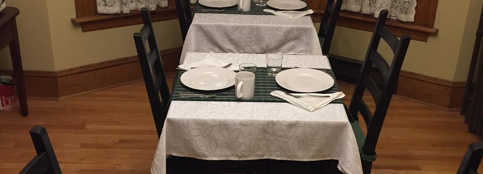 Dining Rm.JPG