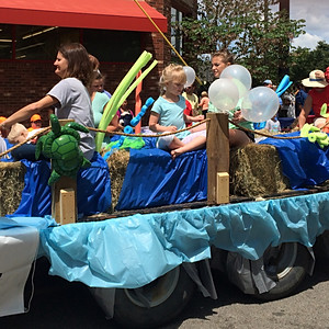 2016 VBS Float Bloomin' Festival Parade