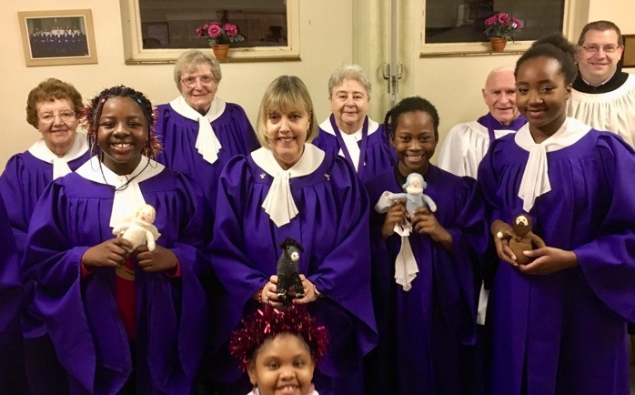 choir with Knitivity figures