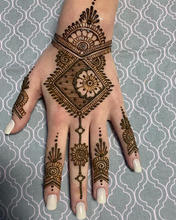 Omaha Henna Tattoo Artist (2).jpg
