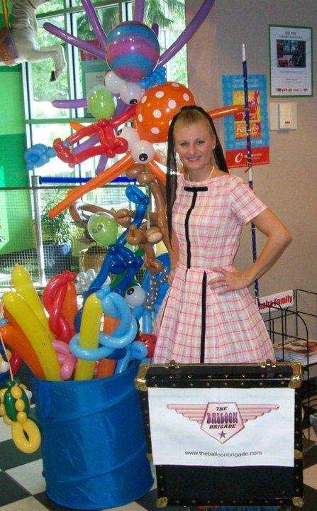 Omaha Balloon Artist Poppin' Penelop
