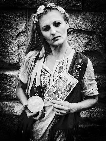Lady Scarlet - fortune teller, tarot reader, psychic